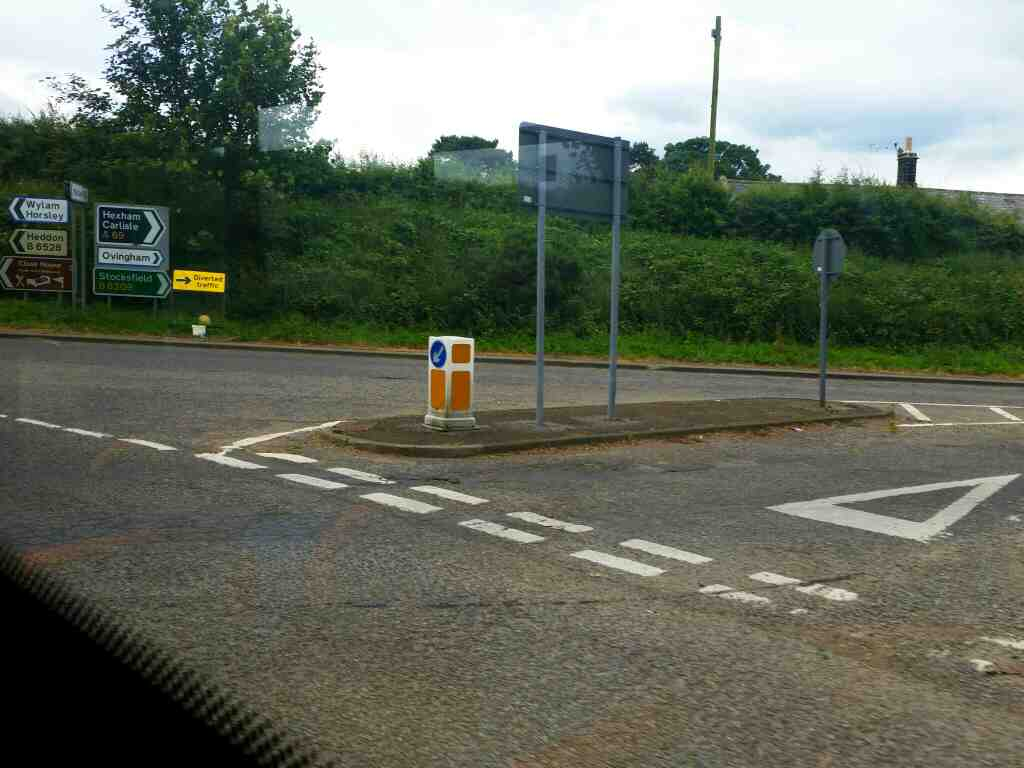 Junction of Oatens Bank and the B6528 and the A69 Horsley on a 685 Carlisle Newcastle bus
