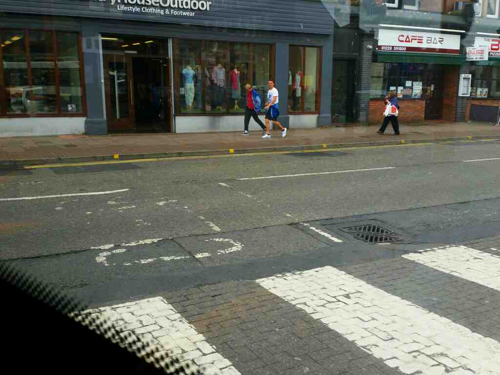 Turning left into Lonsdale St out of Carlisle bus station on a 685 Carlisle Newcastle