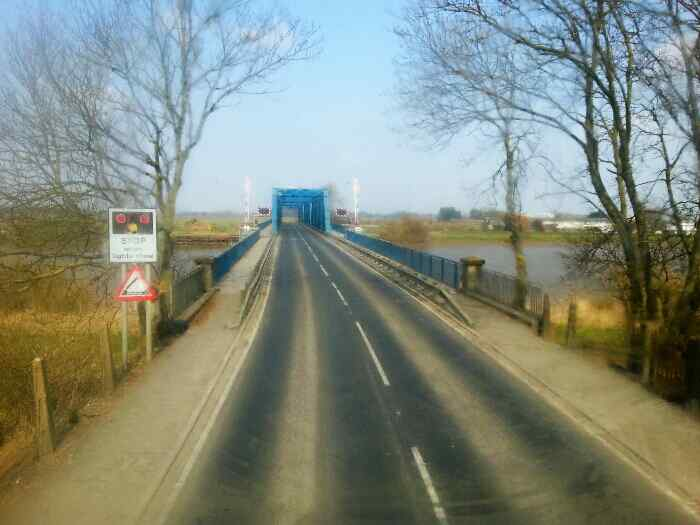 Approaching the Boothferry Swing Bridge.