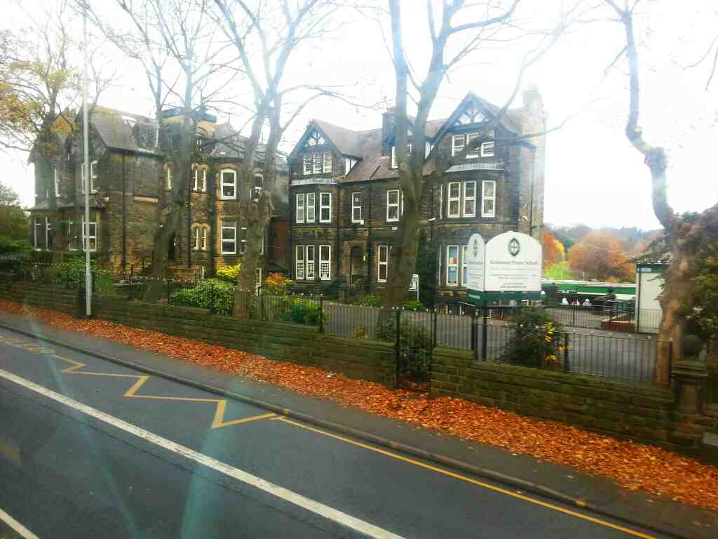 Passing Richmond House School Otley Rd