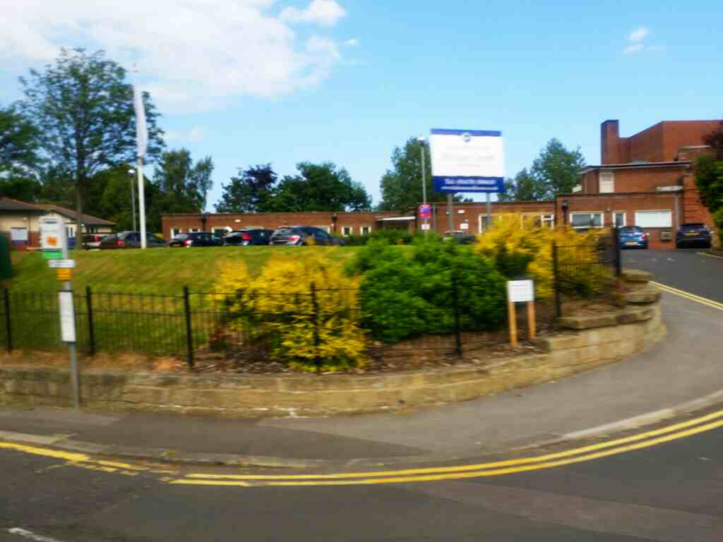 Passes Morpeth Cottage Hospital on a X15 Newcastle to Berwick bus